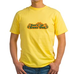 Suns out guns out -- Men Yellow T-Shirt