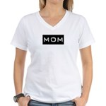 Dymo Black Label Me Mom Mother Women's V-Neck T-Sh